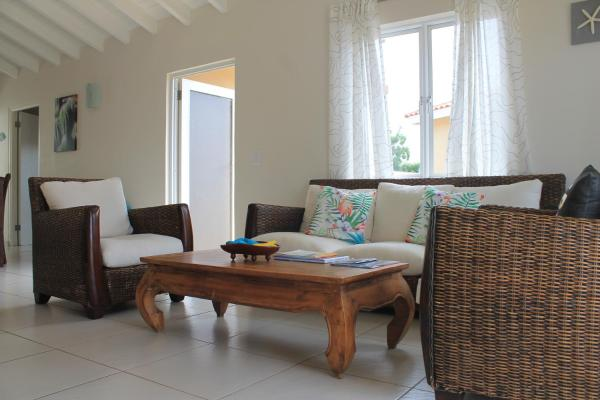 Hotel Pictures: Corona Residence, Willemstad