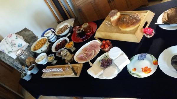 Hotel Pictures: Hirondelle Farm House & Tearoom, Sainte-Suzanne-sur-Vire
