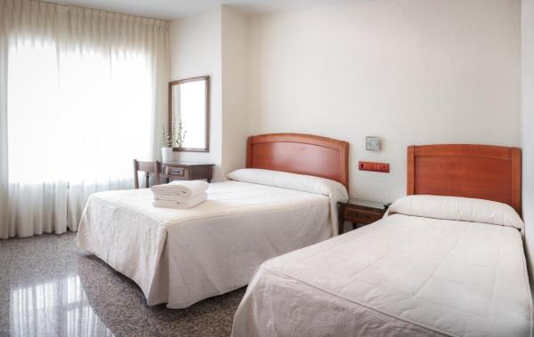 Hotel Pictures: Hostal San Miguel, Ponferrada