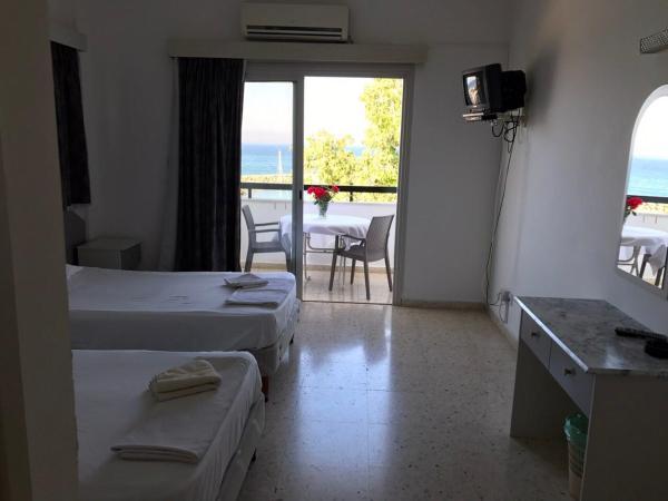 Hotel Pictures: Pyrgiana Beach Hotel, Kato Pyrgos