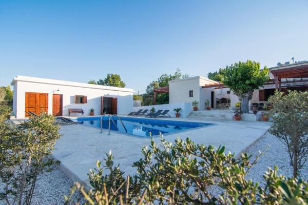 Hotel Pictures: Chloe's House, Pano Akourdalia