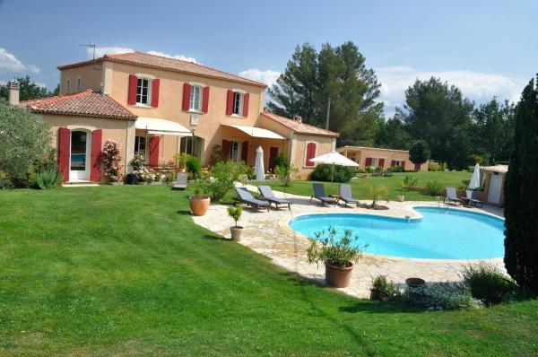 Hotel Pictures: Errance Provençales, Trets