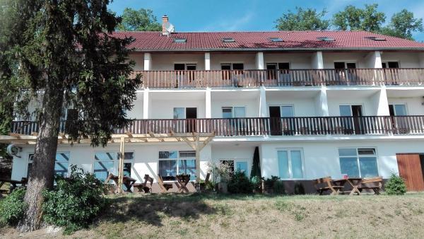 Hotel Pictures: Hotel Sobol, Štítary