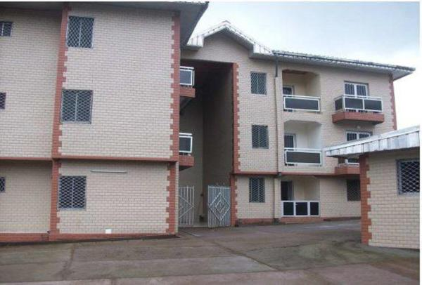 Hotel Pictures: Rose Garden Apartments, Limbe