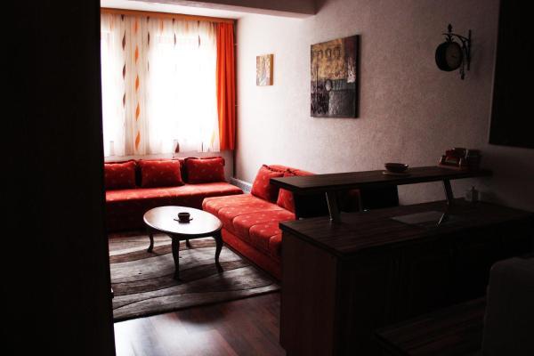 Hotel Pictures: Apartman Sebesic, Vlasic