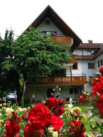 Hotel Pictures: Ferienwohnung-Maier-Rose, Oberried
