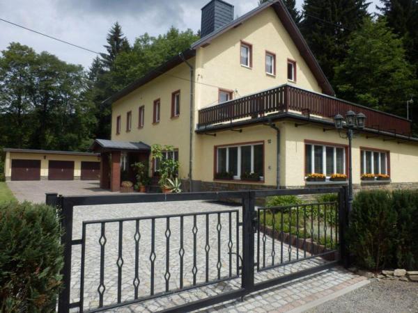 Hotel Pictures: Haus-Wiesenbaude-Fewo-1, Bärenstein