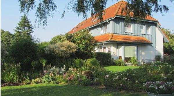 Hotel Pictures: Appartement-Fehmarnbelt, Dänschendorf