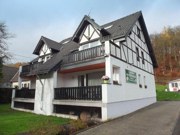 Hotelbilleder: Familienfreundliche-Ferienwohnung-direkt-in-der-Natur, Eichenbach