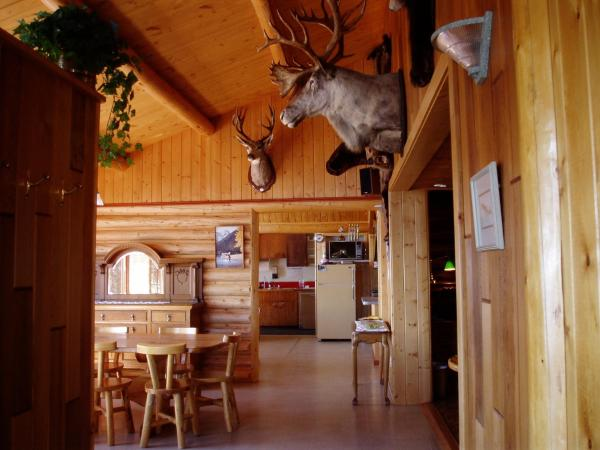 Hotel Pictures: Stewarts Lodge and Camps, Nimpo Lake
