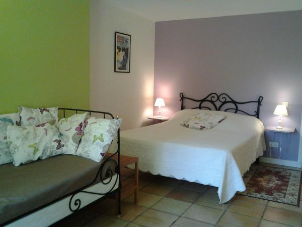 Hotel Pictures: Chambres d'Hôtes Les Douves, Saint-Thomas