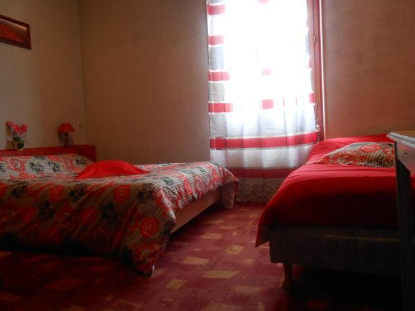 Hotel Pictures: Les 3 Marmottes, Lus-la-Croix-Haute