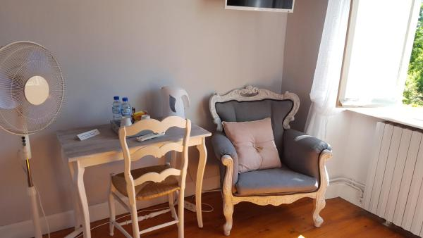 Hotel Pictures: Les Tilleuls, Saint-Pé-Delbosc