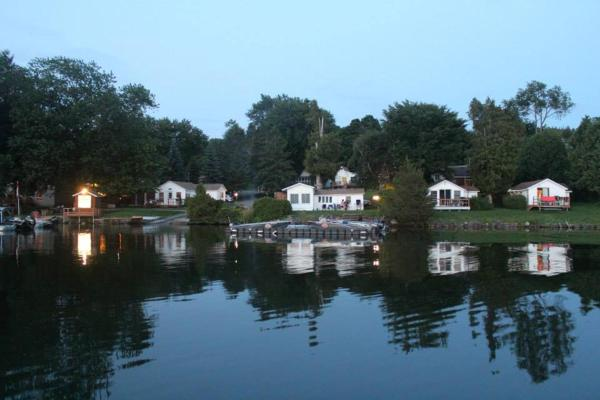 Hotel Pictures: Merland Park Cottages, Picton