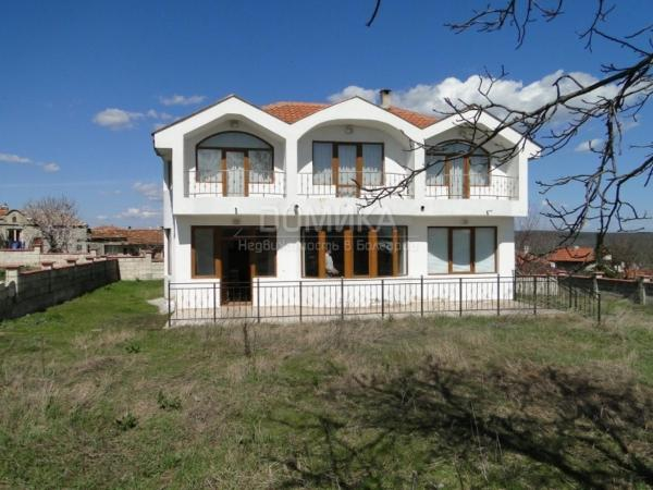 Hotel Pictures: Holiday Home in Bulgaria, Dolen Bliznak