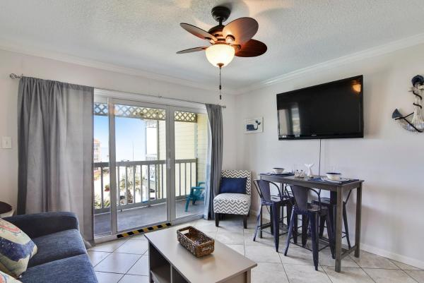 Hotellikuvia: Victorian 9303-Blue Whale Condo, Galveston