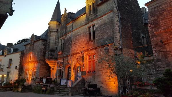 Hotel Pictures: La Tour du Lion, Rochefort-en-Terre