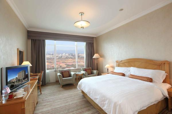 Twin Room with Forbidden City View