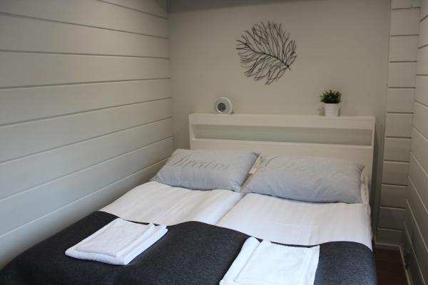 Hotel Pictures: Naava Chalets, Ähtäri