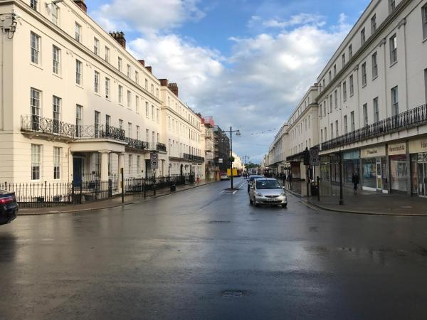 Hotel Pictures: Leamington Spa Serviced Apartments - The SPACE, Leamington Spa
