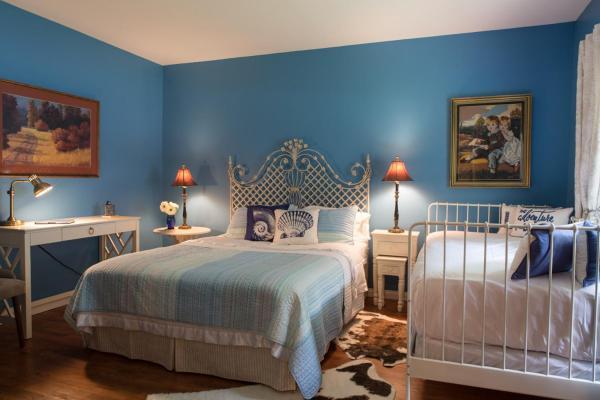 Hotel Pictures: Sleepy Creek Country Manor, Bragg Creek