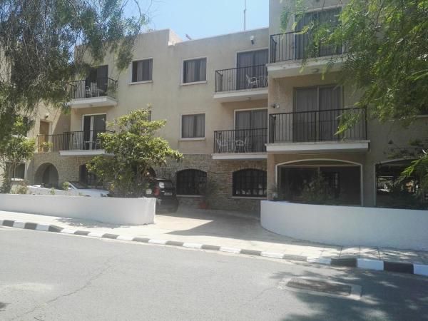 Hotel Pictures: Paschalis Aparments, Pyla