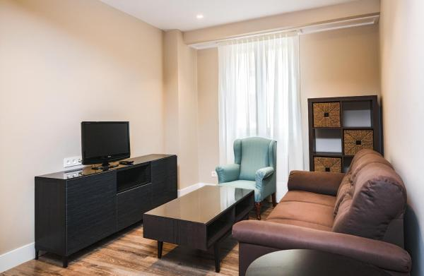 Hotel Pictures: Arana Apartment by People Rentals, Bilbao