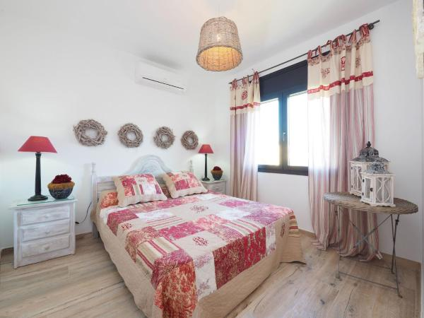 Hotel Pictures: Holiday Home Pení 153A, Empuriabrava