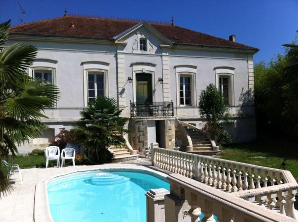 Hotel Pictures: Le Domaine des Vignes, Saint-Macaire