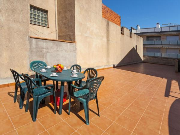 Hotel Pictures: Holiday Home Santa Barbara 55, Palamós