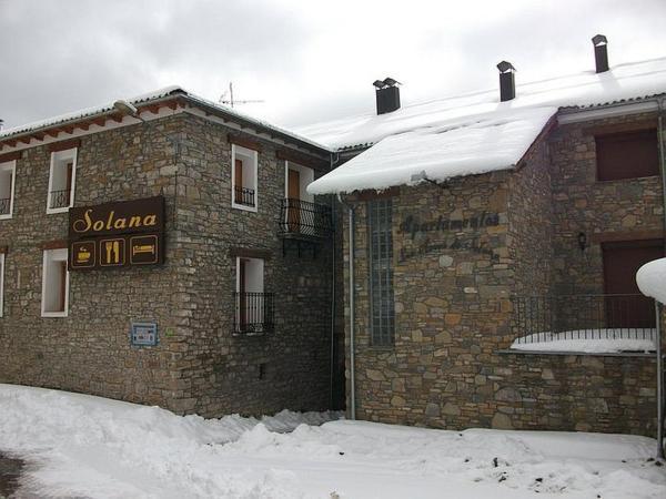 Hotel Pictures: Hostal Solana, Vilas del Turbon