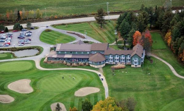 Hotel Pictures: Auberge et Club de Golf Heritage, Montebello