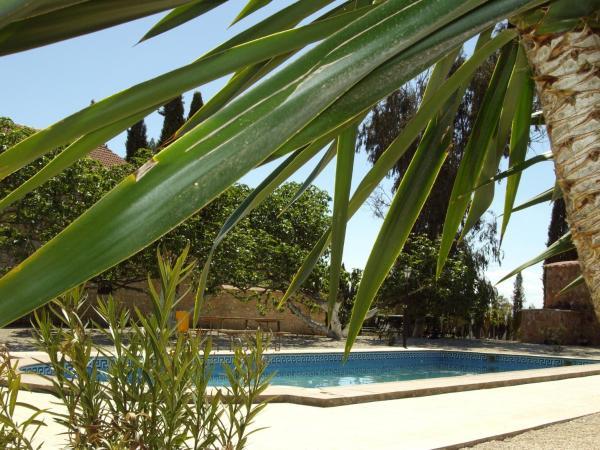 Hotel Pictures: Holiday home Camino de Bobadilla - 2, Humilladero