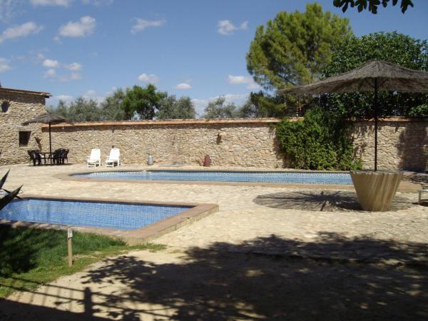 Hotel Pictures: Holiday home Camino de Bobadilla - 3, Humilladero