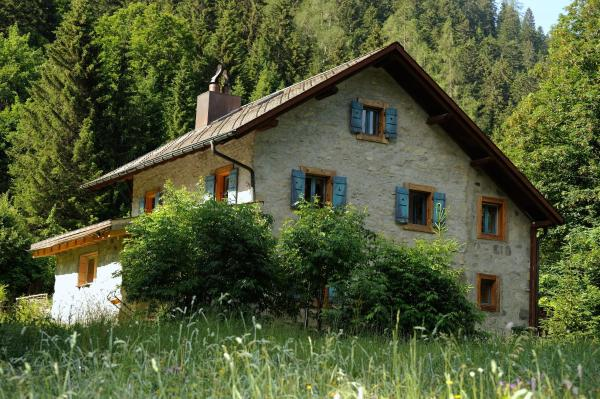 Hotel Pictures: Chalet Les Sapins, Gryon