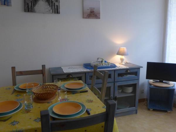 Hotel Pictures: Apartment Plein Sud.10, Cabourg