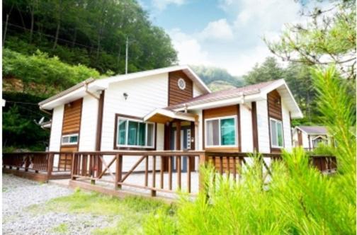 Zdjęcia hotelu: Chouette Pension, Gapyeong