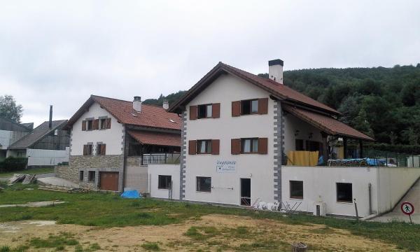 Hotel Pictures: Albergue Irugoienea, Espinal-Auzperri