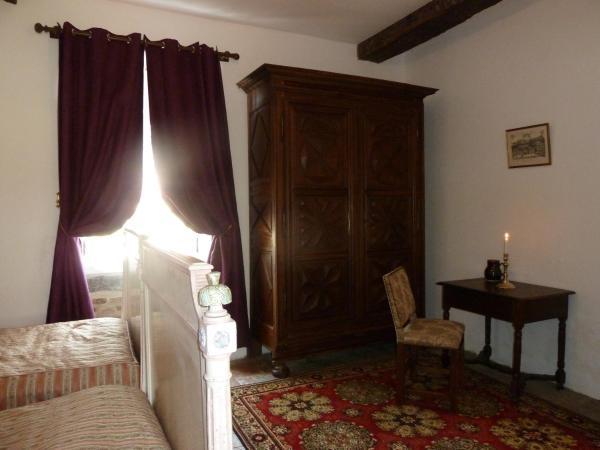 Hotel Pictures: Gîte du Chateau de Saint Augustin, Lurcy-Lévis