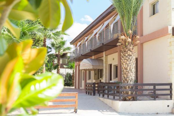 Hotel Pictures: Constantio Court, Kalavasos