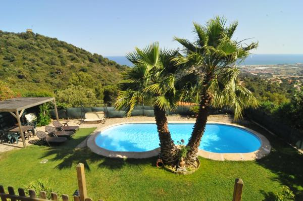 Hotel Pictures: Casa Wooden, Palafolls
