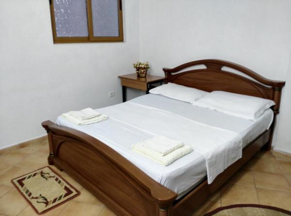 Фотографии отеля: City Center Apartment, Тирана
