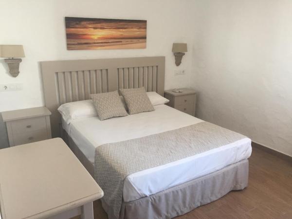 Hotel Pictures: Hotel Almadrabeta, Zahara de los Atunes