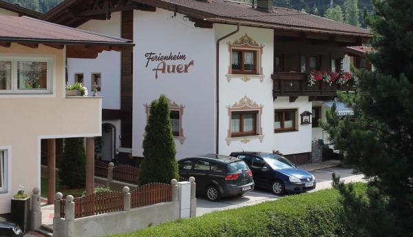 Фотографии отеля: Ferienheim Auer Appartment, Лангенфельд