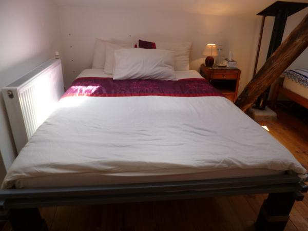 Hotel Pictures: B&B 24 L'Echanie, Dournazac