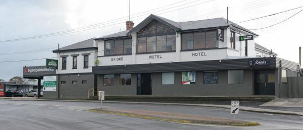 Hotellikuvia: Bridge Hotel, Smithton