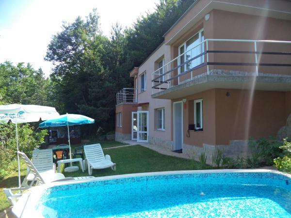 Hotel Pictures: Villa Aqua, Pravets