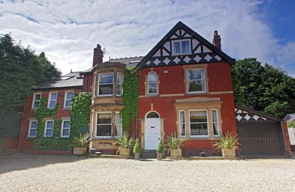 Hotel Pictures: The Sandhurst, Middlewich