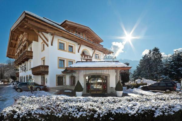 Hotel Pictures: Gartenhotel Maria Theresia, Hall in Tirol