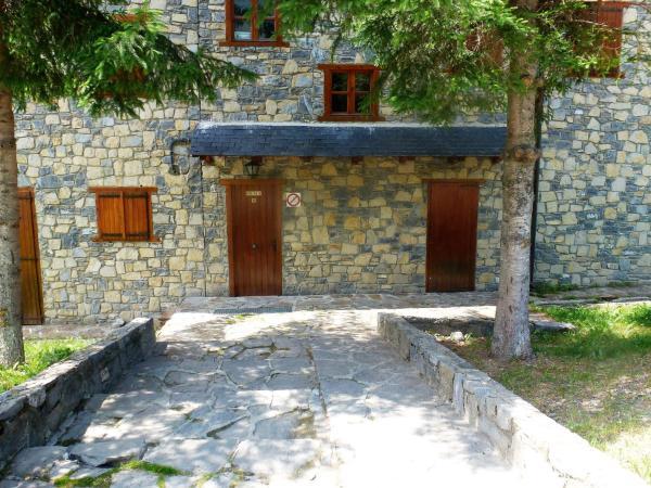 Hotel Pictures: Apartament Vall de Boi Taull, Pla de lErmita